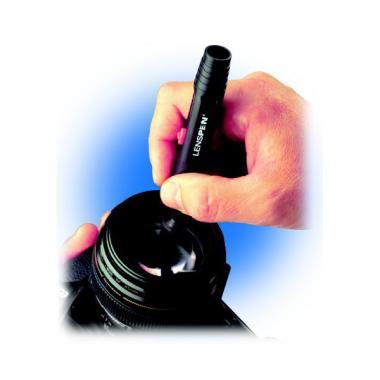 Карандаш для чистки оптики Celestron LensPen